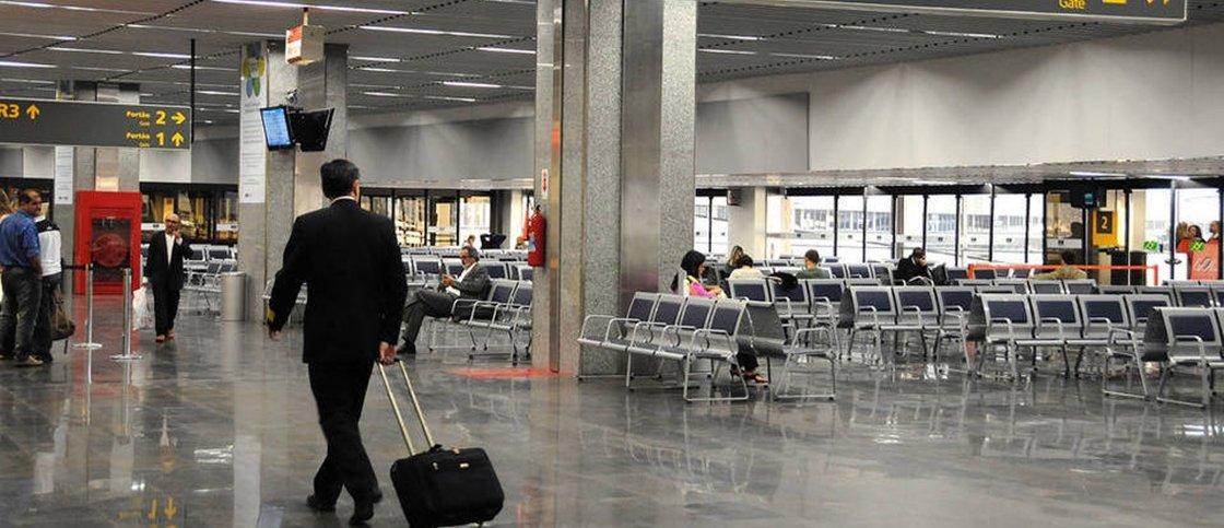 Terror psicológico: passageira denuncia abuso de poder no aeroporto do Rio