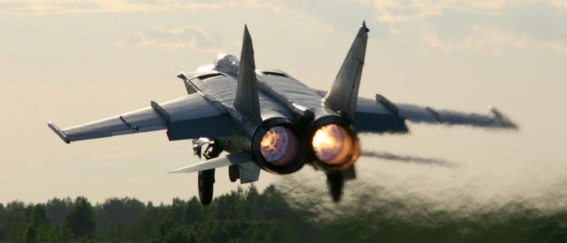 O caso do desertor soviético que entregou um MiG-25 de bandeja para os EUA