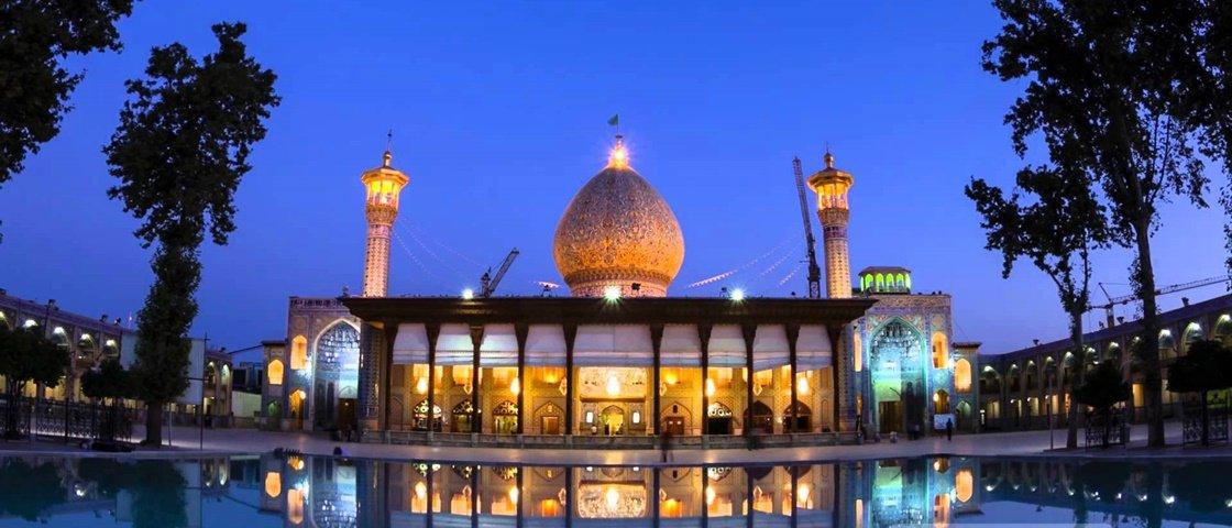 Você nunca viu nada semelhante ao interior desta mesquita no Irã