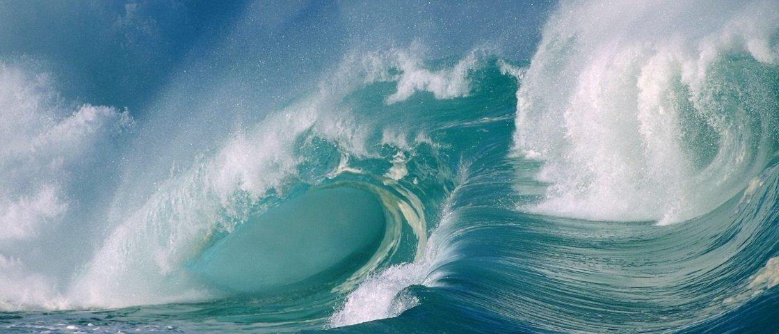Você sabe por que o mar tem ondas?