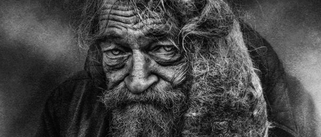Fotógrafo usa seu trabalho para mostrar a realidade de quem vive nas ruas