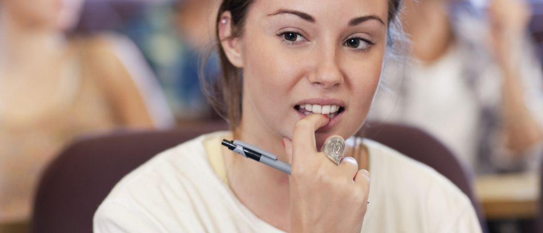 Por que é tão difícil parar de roer as unhas?