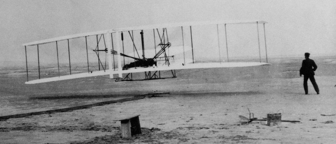 Foto histórica mostra o primeiro voo dos irmãos Wright, há 113 anos