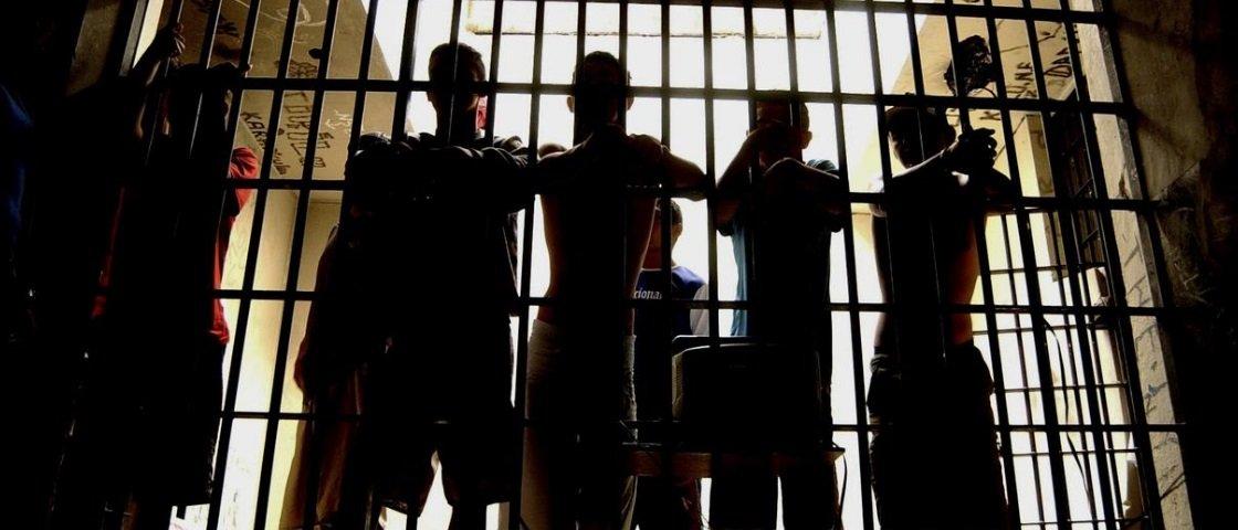 5 armas improvisadas que já foram encontradas em prisões
