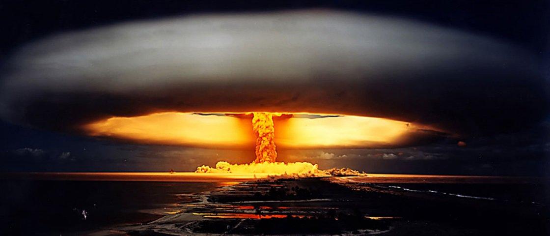 515cc5db203 Você sabe o que acontece durante uma explosão atômica  - Mega Curioso