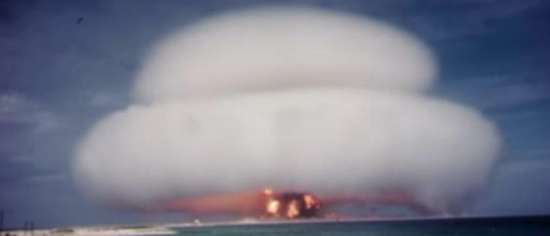 Vídeos de testes nucleares feitos pelos EUA acabam de se tornar públicos