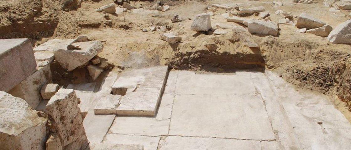 """Descobriram uma """"nova"""" pirâmide durante expedição arqueológica no Egito"""