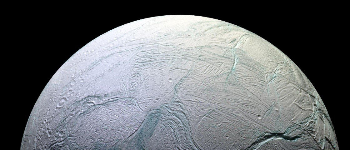 NASA anuncia que lua de Saturno poderia abrigar formas de vida