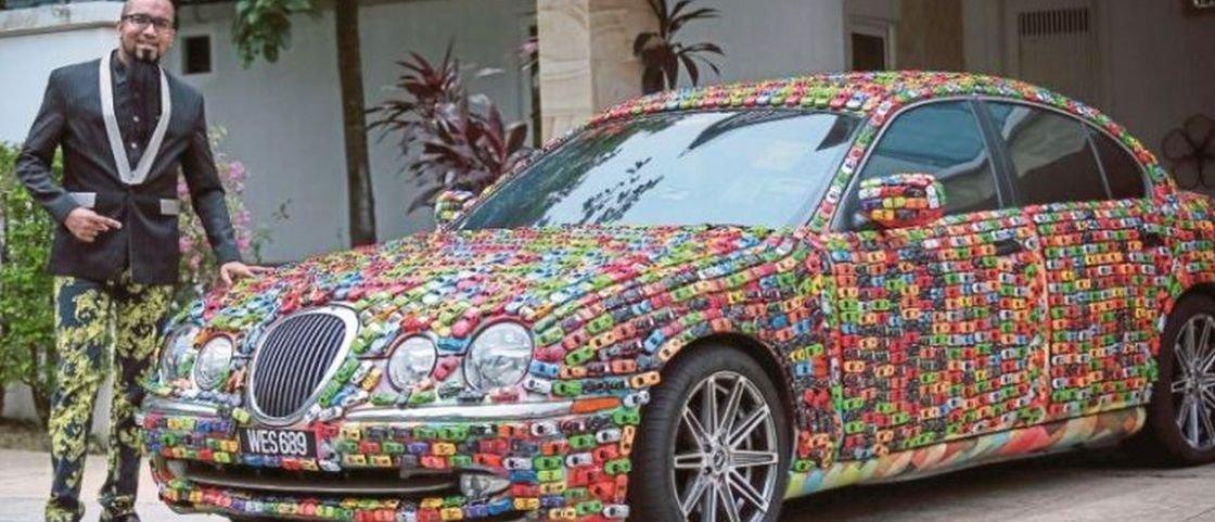 Fã de Hot Wheels customiza Jaguar com mais de 4 mil carrinhos
