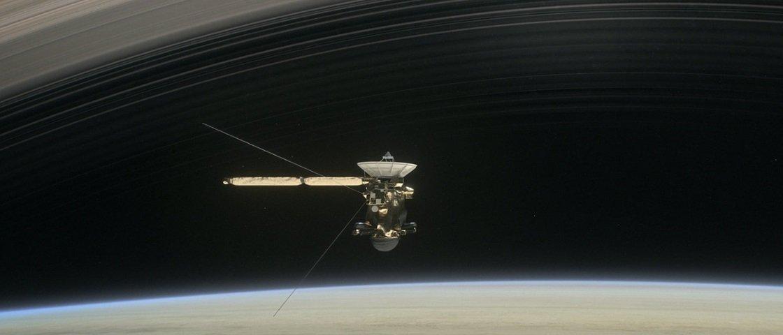 Cassini mergulhou pelos anéis de Saturno e registrou imagens incríveis