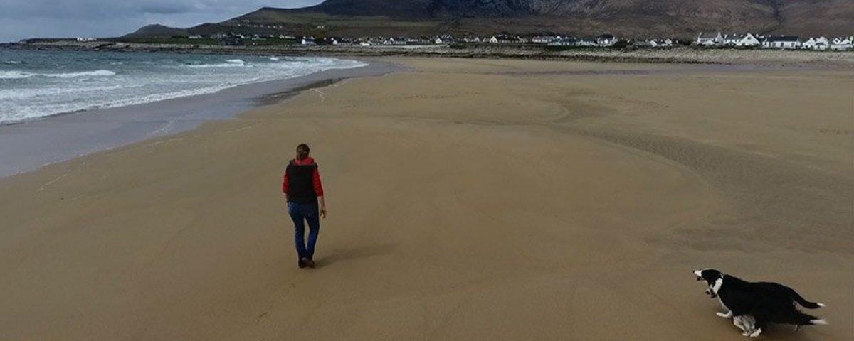 """Bizarro: praia que """"sumiu"""" há mais de 30 anos volta a aparecer na Irlanda"""