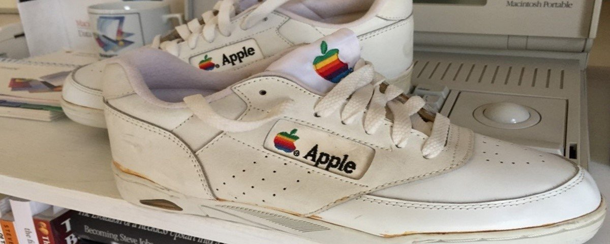 Tênis raro da Apple é colocado em leilão por quase R$ 50 mil