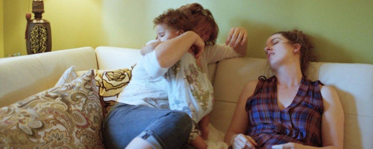 Esta fotógrafa registrou a maternidade da maneira mais honesta possível