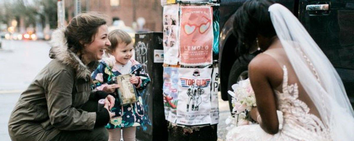 Esta garotinha confundindo uma noiva com uma princesa é a fofura do dia