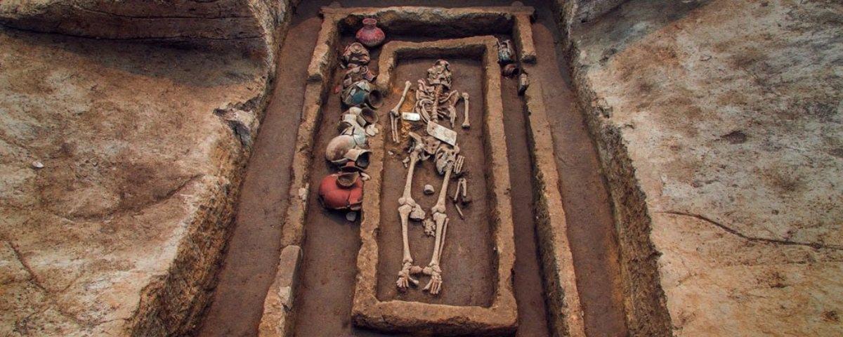 """Arqueólogos descobrem ossos de """"gigantes"""" na China"""