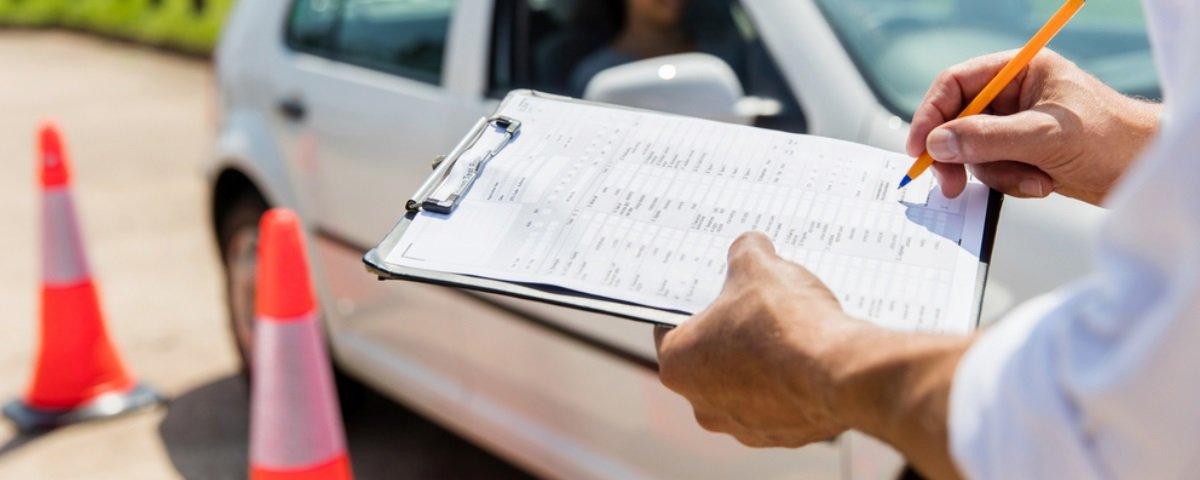 Pessoas com ensino superior tendem a reprovar em testes de direção, sabia?