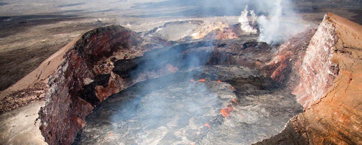 O que aconteceria com uma pessoa que caísse dentro de um vulcão ativo?