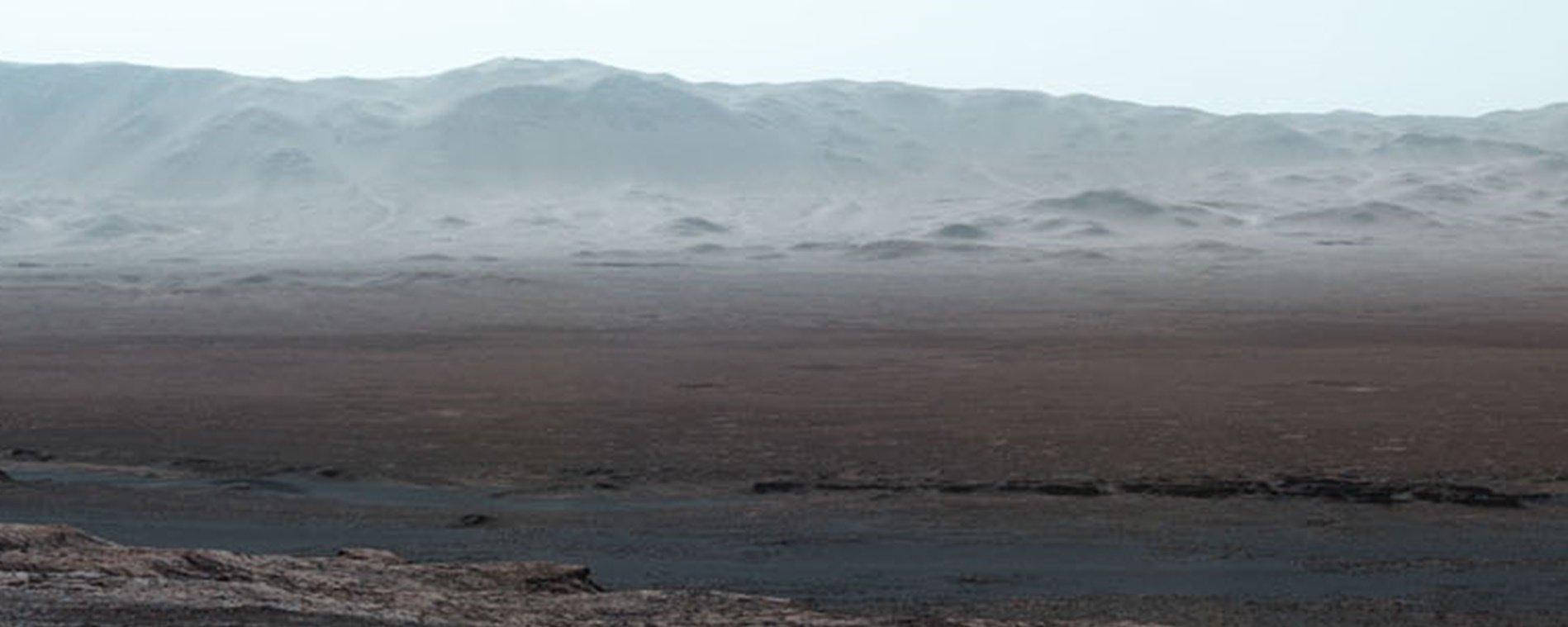"""Curiosity captura imagem panorâmica de um """"vale"""" inteiro em Marte; confira"""