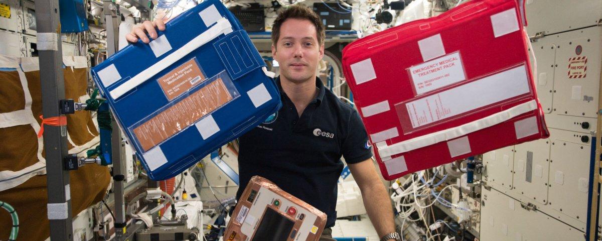 O que fazer em uma emergência médica na Estação Espacial Internacional