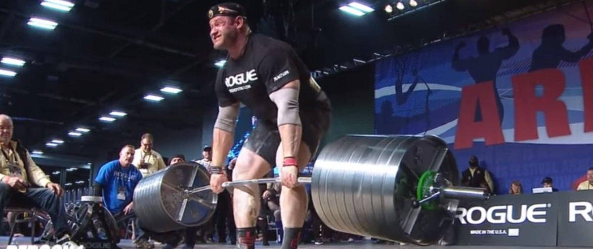 Este grandalhão foi levantar mais de 400 quilos e veja o que aconteceu!