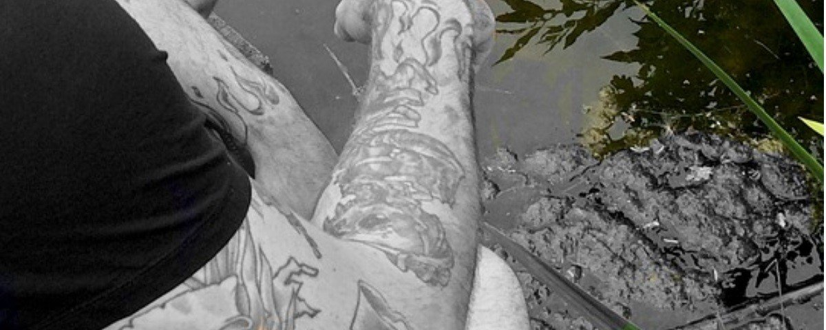 Gosta de tatuagem? Veja como seu corpo reage a ela