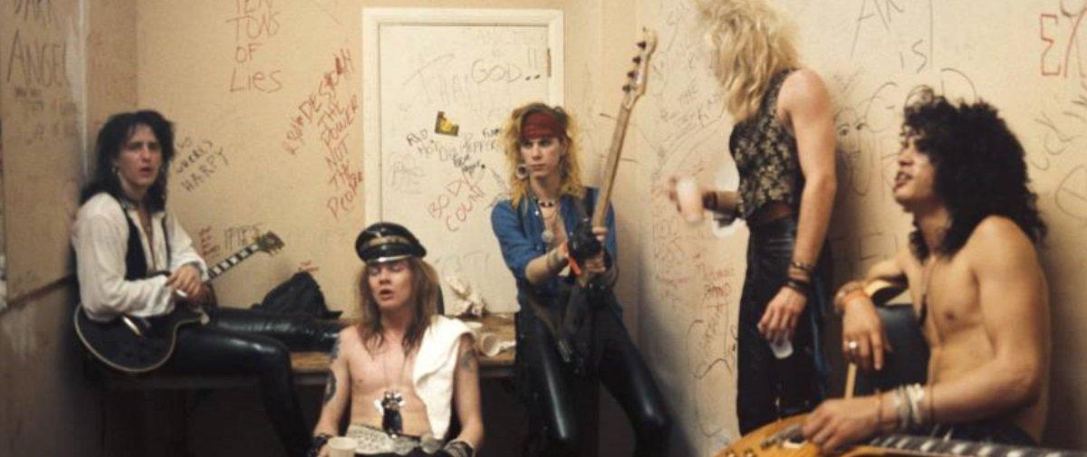 Confira 21 antigas fotos de bastidores de astros da música e lendas do rock