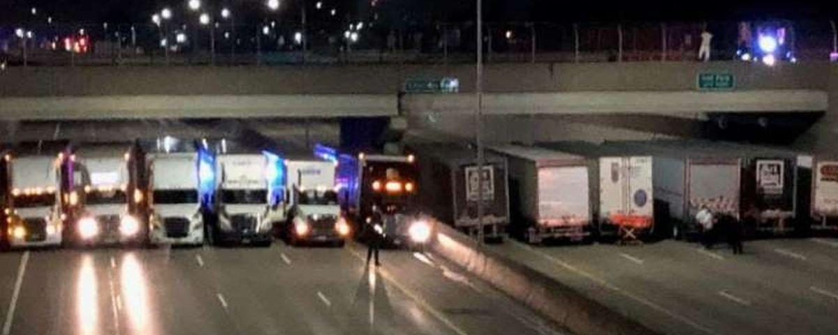 Para impedir suicídio, 13 caminhões ficam enfileirados embaixo de viaduto