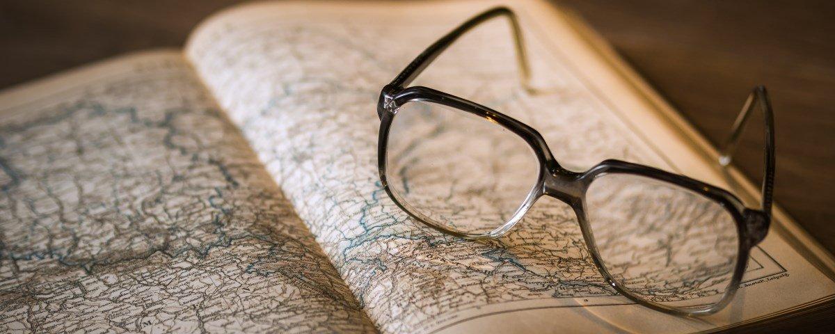 Ciência diz que usar óculos realmente significa que você é mais inteligente