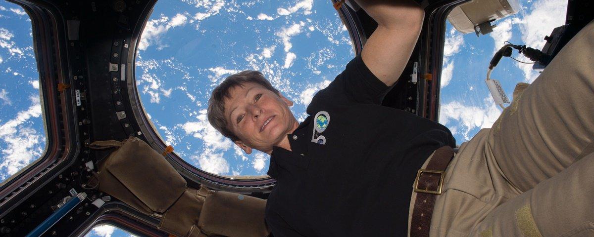 Astronauta recordista com mais tempo no espaço se despede da NASA