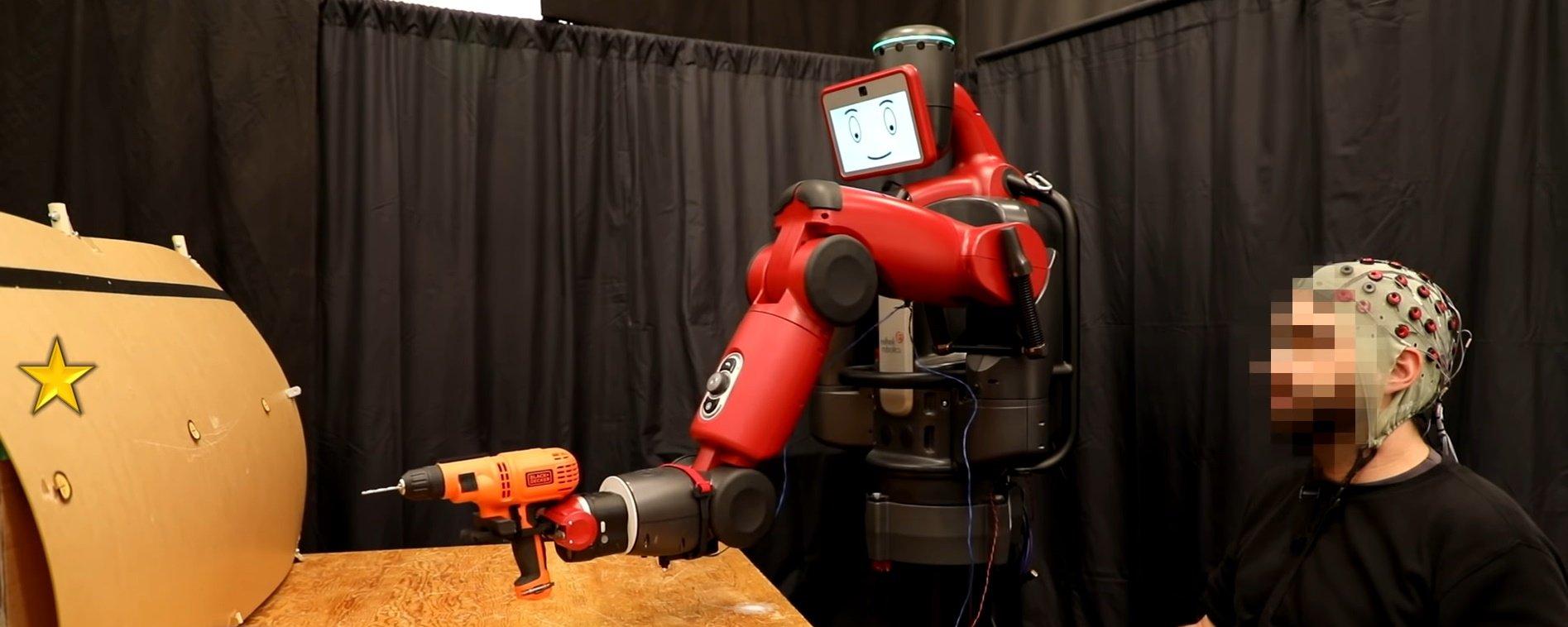 """""""Lendo a mente de humanos"""", robô do MIT sabe quando fez algo errado"""