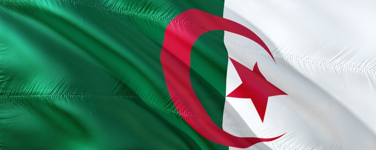 Argélia desliga internet para impedir cola de estudantes durante provas