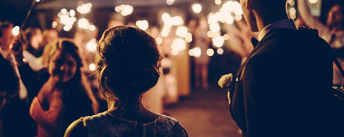 15 reações de pais ao verem suas filhas vestidas de noiva pela primeira vez