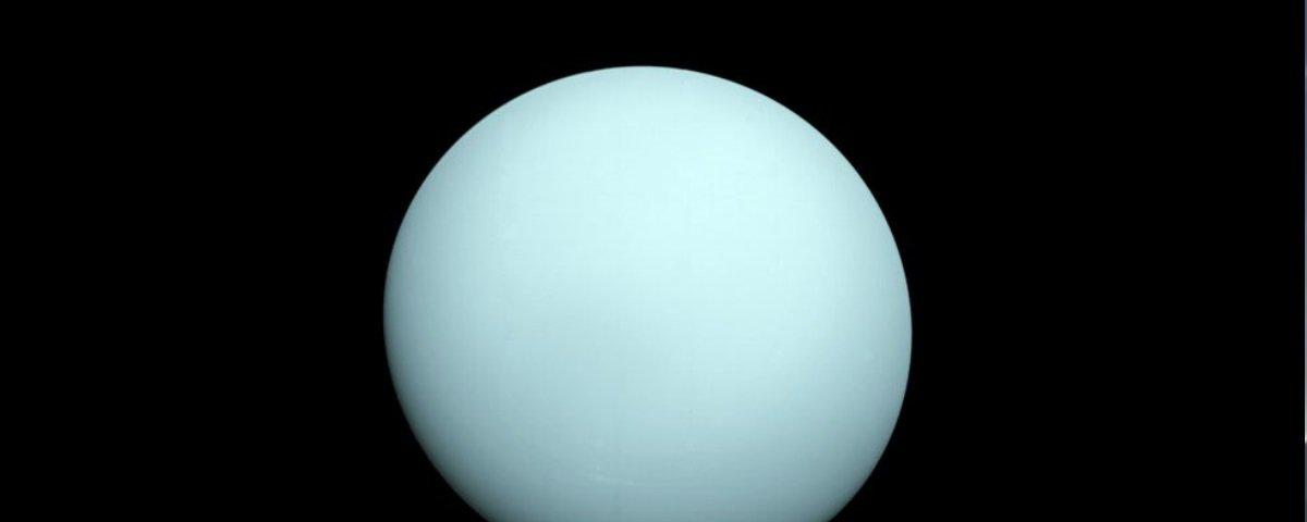 Pesquisa tenta explicar a posição peculiar do eixo de rotação de Urano