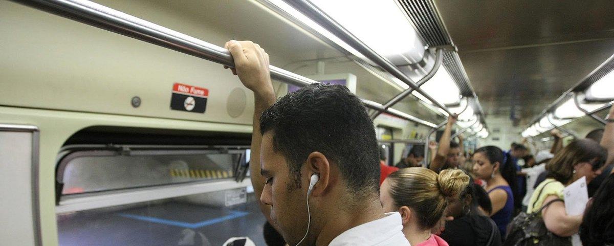 Metrô de SP paga R$ 40 mil por mês para ONG gerir playlist de música