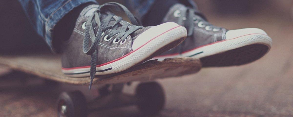 Fotógrafo cria sapatos com materiais fora do comum, e o resultado é bizarro