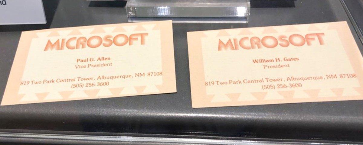 Olha só o primeiro cartão de visita de Bill Gates no começo da Microsoft