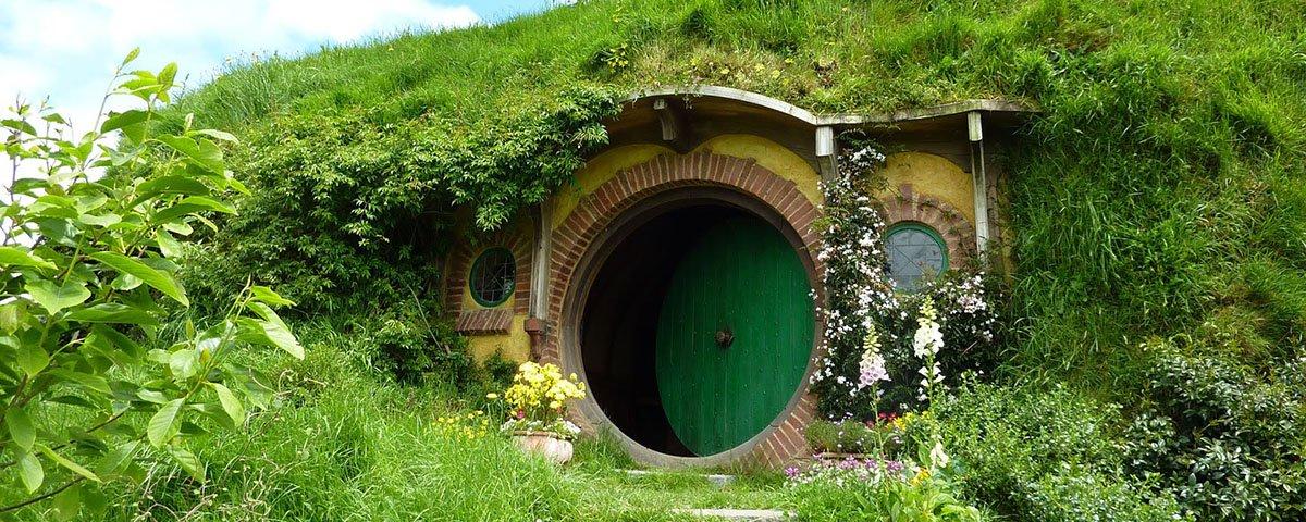 Essas casas rochosas teriam inspirado Tolkien a escrever 'O Hobbit'