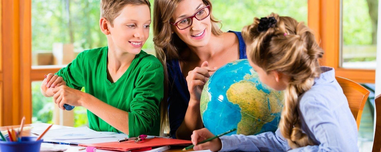 Já pensou em estudar em casa? Conheça um pouco mais sobre ensino domiciliar