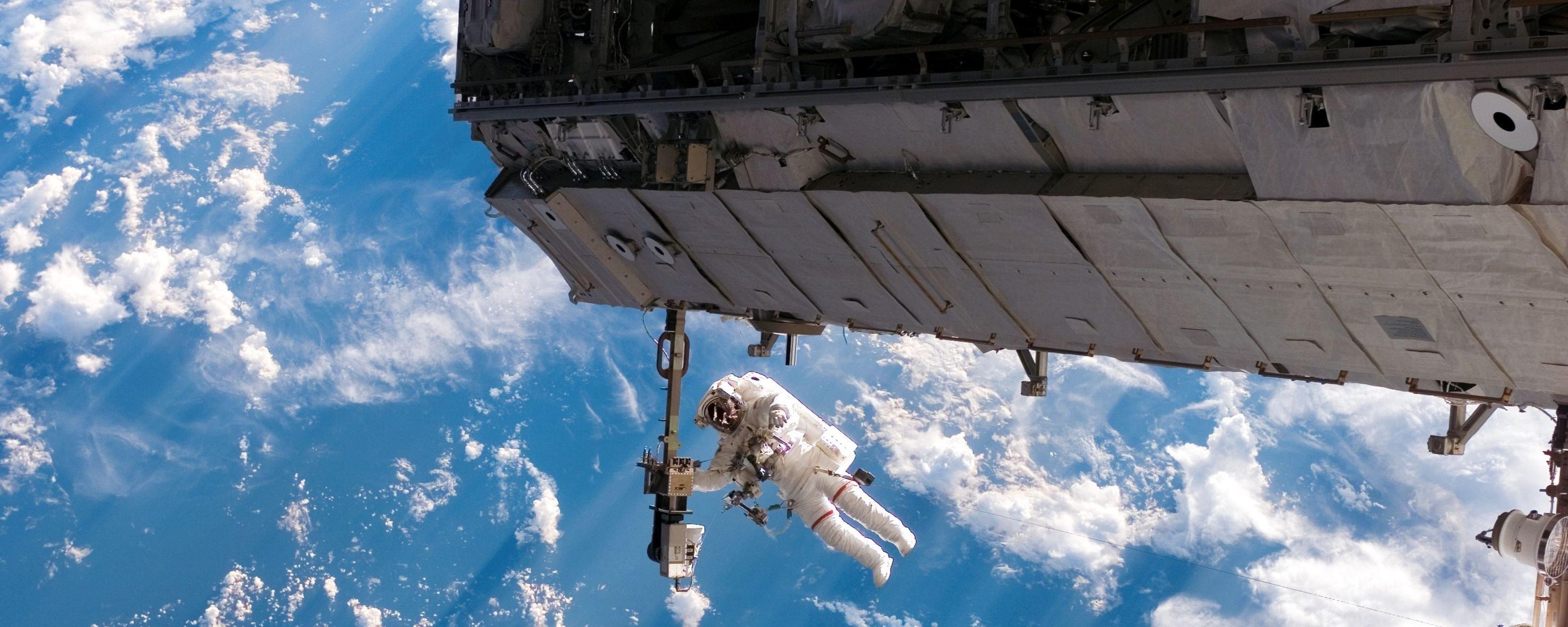 Ao infinito e além! Diversas curiosidades sobre caminhadas espaciais