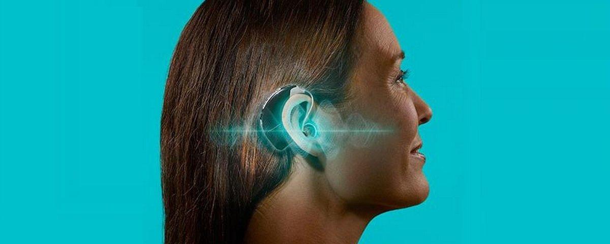 Aparelho auditivo com inteligência artificial traduz até 17 idiomas