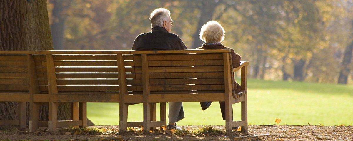 13 casais de idosos provam por que o amor nunca envelhece