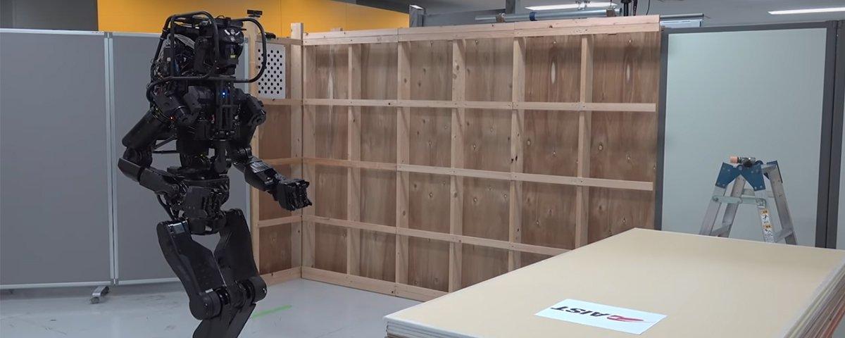 Construção do futuro: conheça o robô humanoide que instala drywalls sozinho