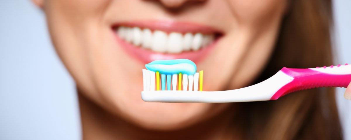 Mas, afinal, o que acontece se você parar de escovar os seus dentes?