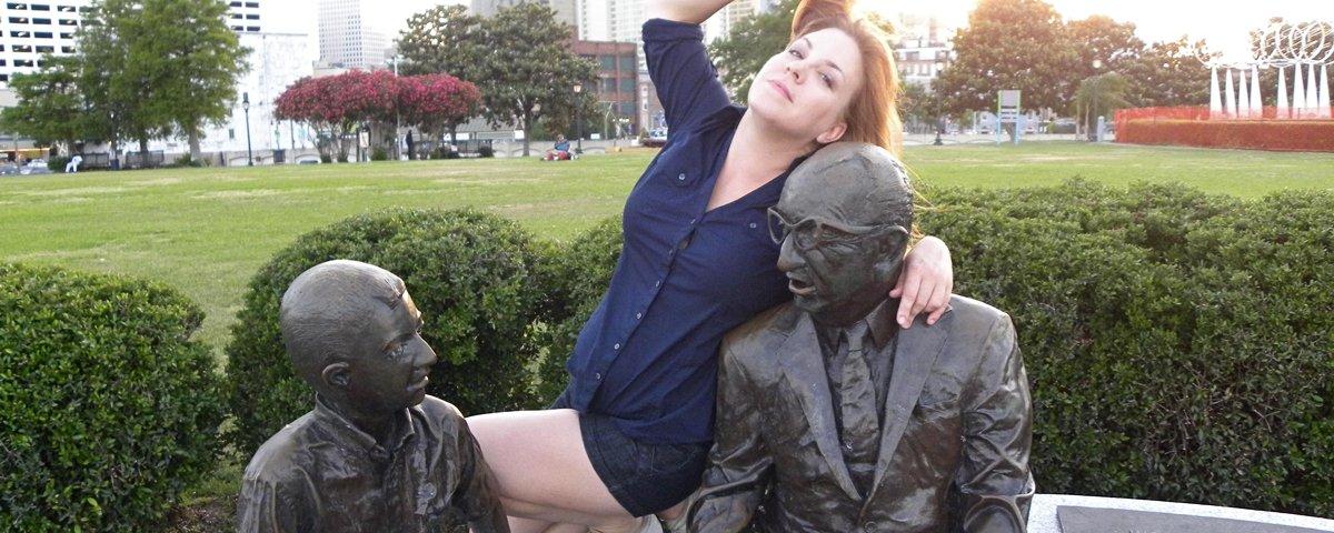 Mais 15 interações hilárias entre estátuas e seres humanos
