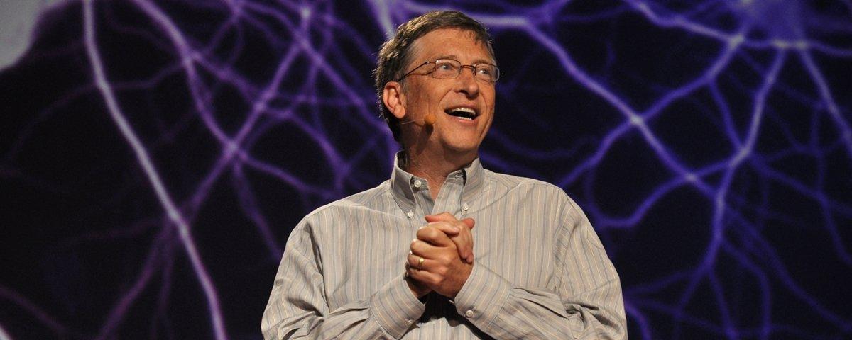 Bill Gates exibe vaso sanitário que não usa água nem esgoto