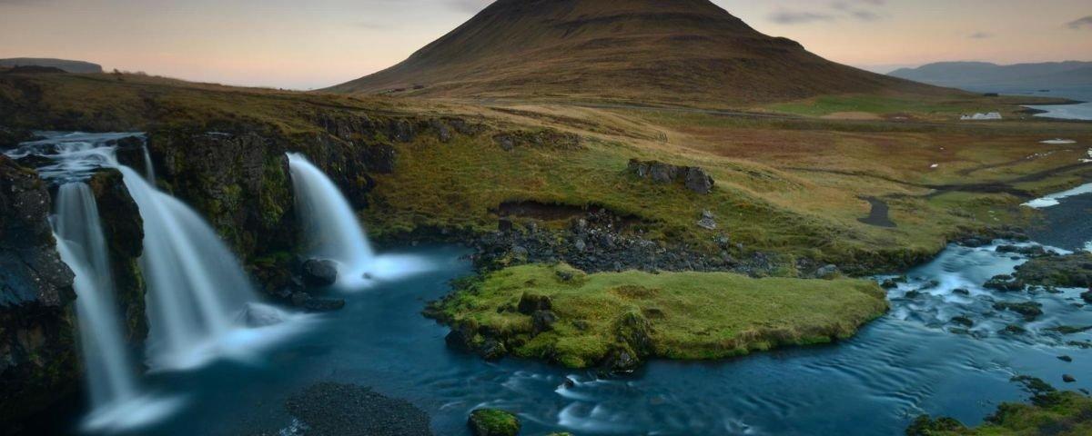 Igreja islandesa com design único é um registro histórico do país nórdico