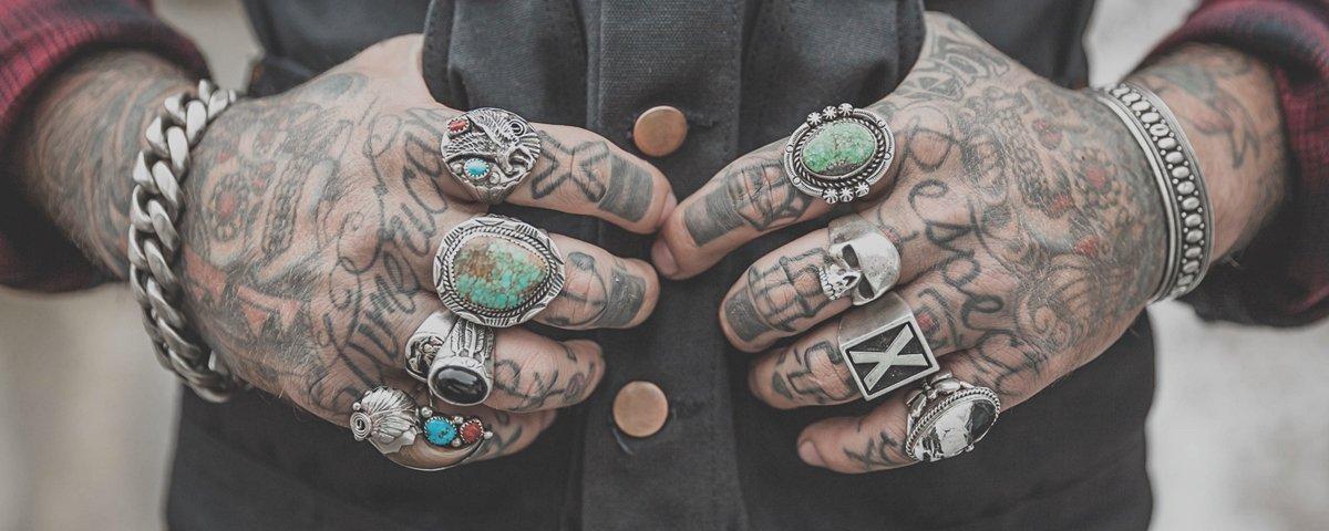 Tem Na Web - Estas tattoos minimalistas são ideais para quem busca sutileza e discrição