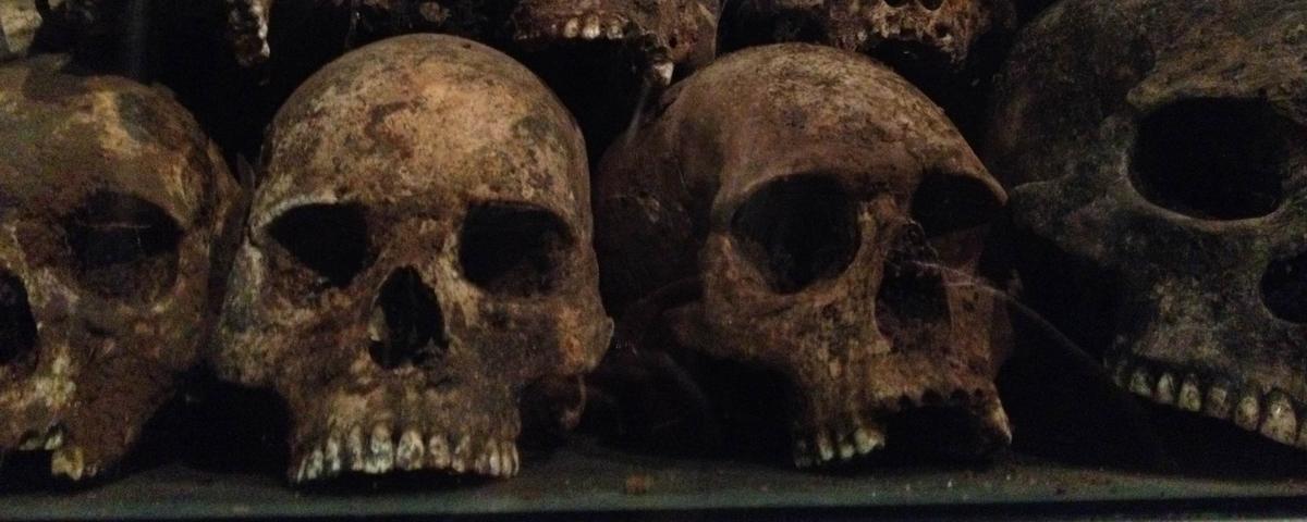 1590: o ano em que os parisienses comeram pães feitos com ossos humanos