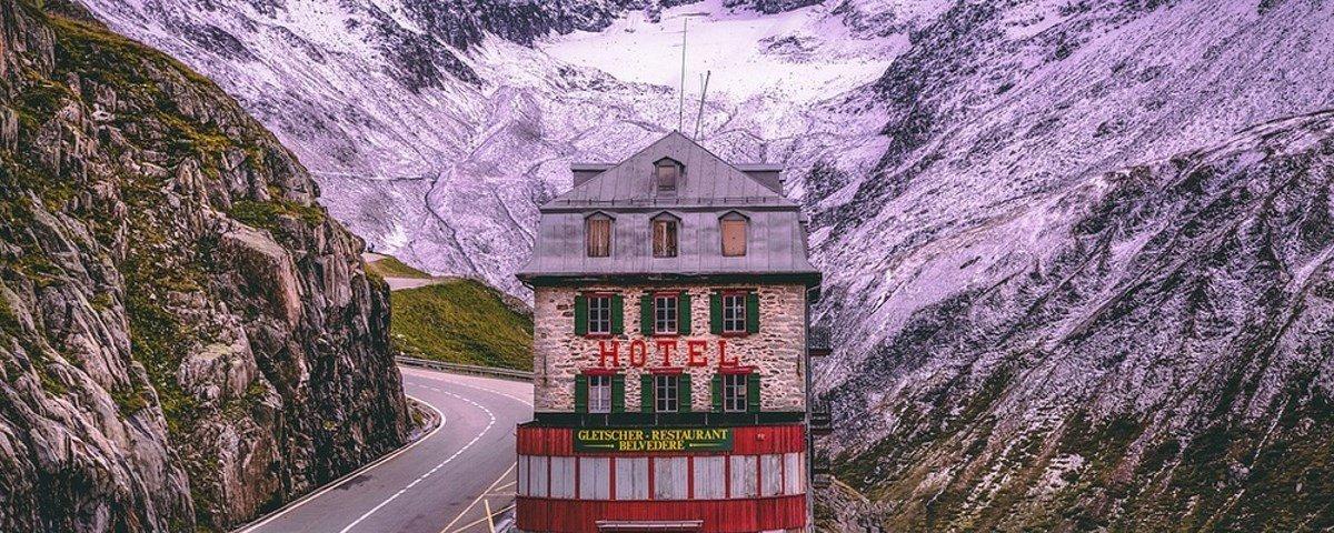 Você não vai acreditar neste hotel no topo do glaciar do Ródano
