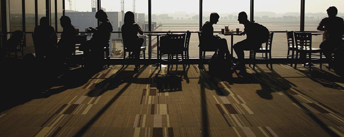 Tem Na Web - Série fotográfica feita em aeroporto revela como cada pessoa é singular